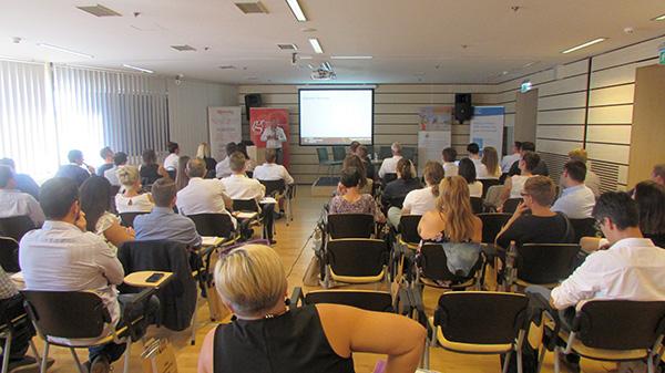 fotó_BMD_Erős_Gábor-előadása